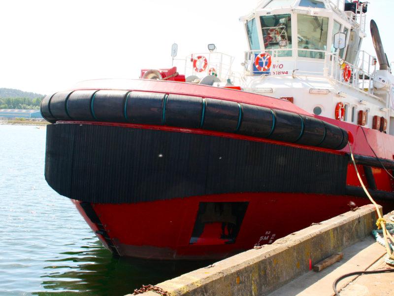 Bogserbåtsfendrar
