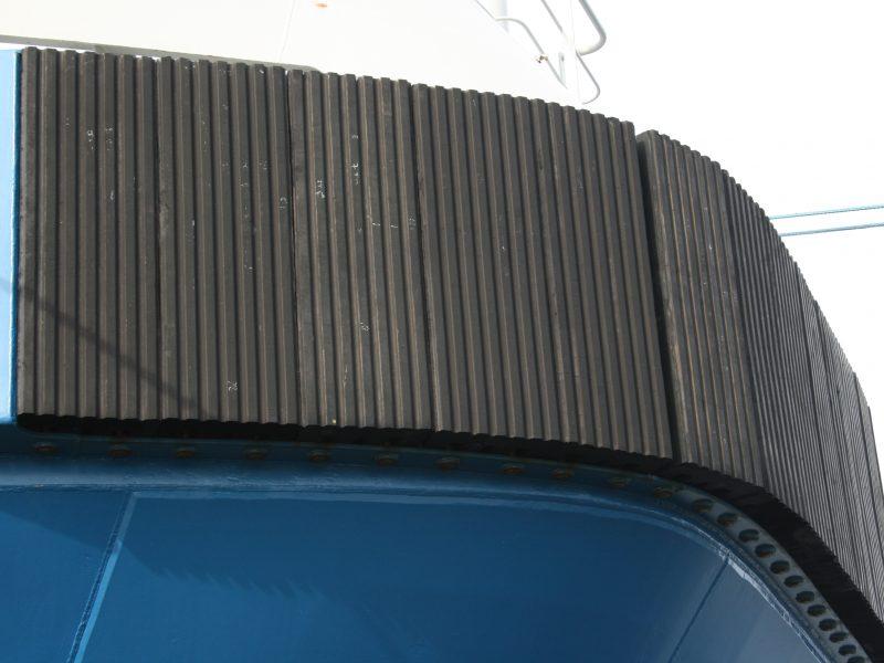 PsG M-fender till bogserbåtar för extra grepp